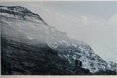 Vandrere i motlys Digital blandingsteknikk 34,5x54,5 cm 2600 ur