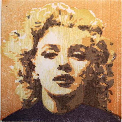 Marilyn Tresnitt 11x11 cm 500,-kr u.r.