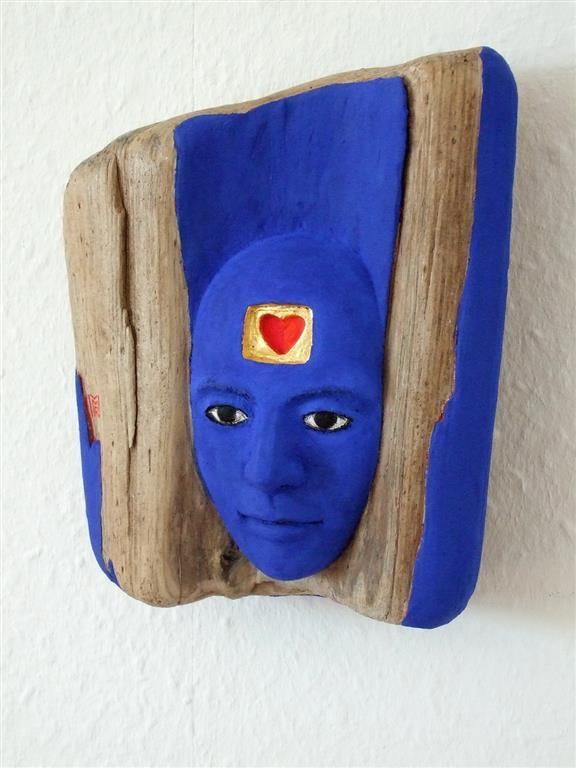The Blue Man Driftwood, keramikk, eggtempera, blattgold 8000